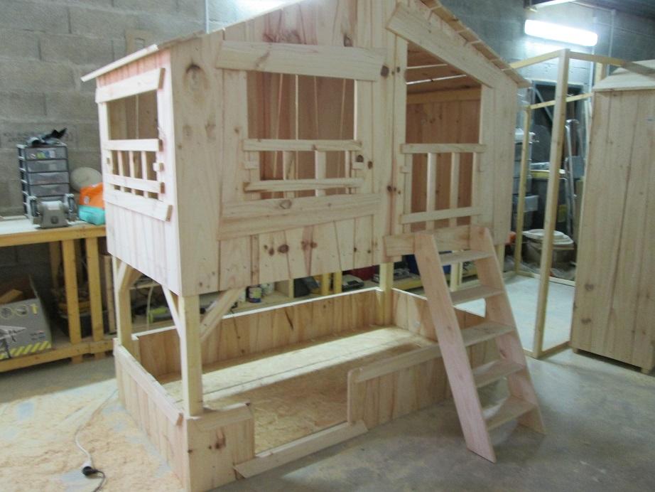 lits cabanes. Black Bedroom Furniture Sets. Home Design Ideas